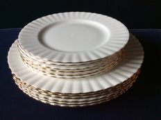 12 Plates from Royal Albert, decor Val D'or