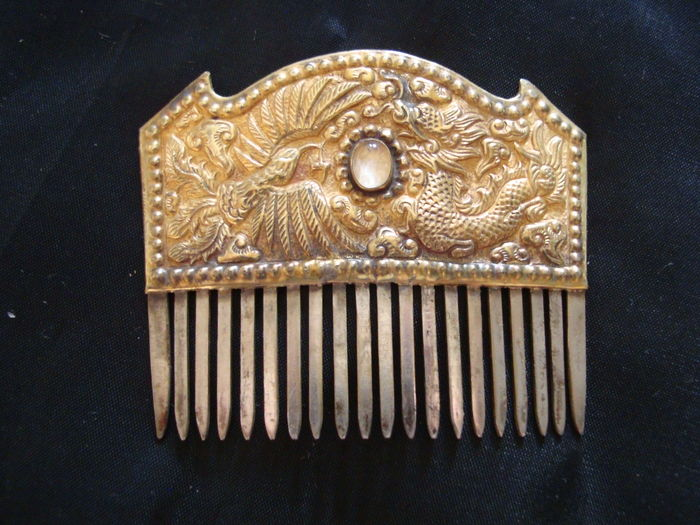 Gold and silver comb  from the Vietnamese imperial court  with phoenix and dragon - 66 mm