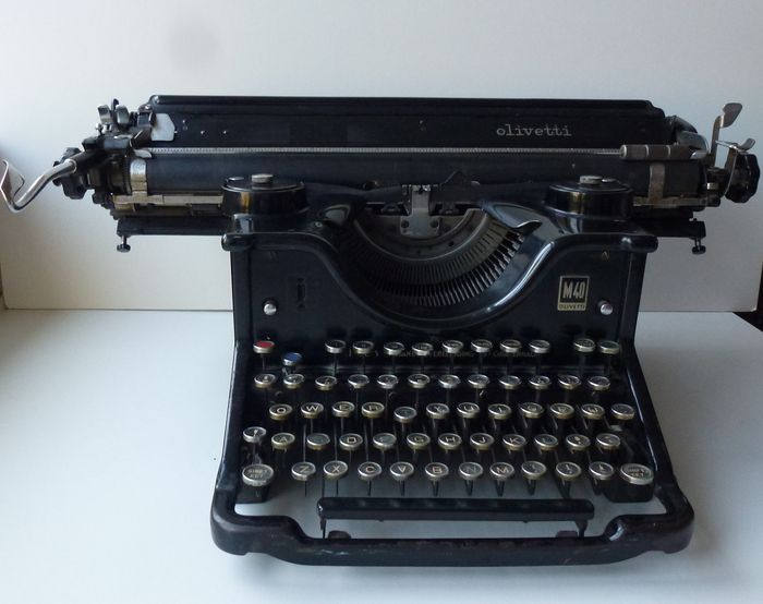 nice antique olivetti type writer m40 catawiki. Black Bedroom Furniture Sets. Home Design Ideas