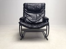 Unknown designer – Danish furniture manufacturer – Vintage leather armchair
