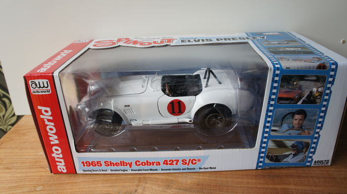 1:18 Ertl//Auto World Shelby Cobra 427 S//C Elvis Presley 1965