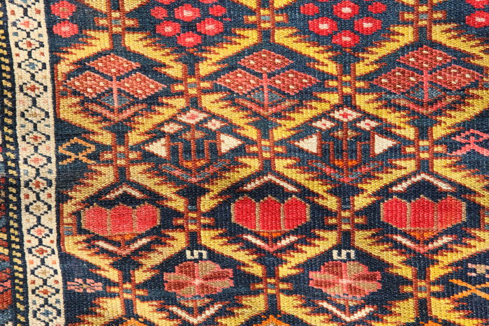 DECORATIVE ANTIQUE CAUCASIAN SHIRVAN LONG RUNNER, 385 x 110cm