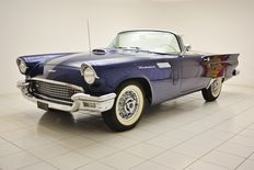 Ford - USA Thunderbird V8 - 1957