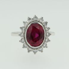 14 kt white gold ring with synthetic ruby and diamond, ring size 17.25 (54)