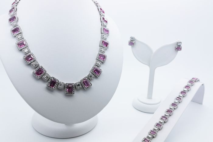 in diamond sapphire necklace stone gold white three and