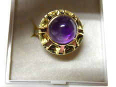 Women's ring made of 585 gold with large round amethyst