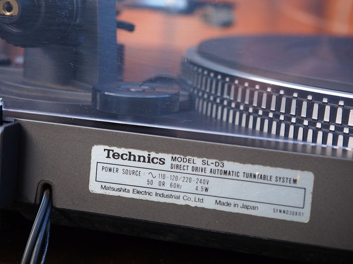 Technics SL-D3 Direct Drive record player for manual or