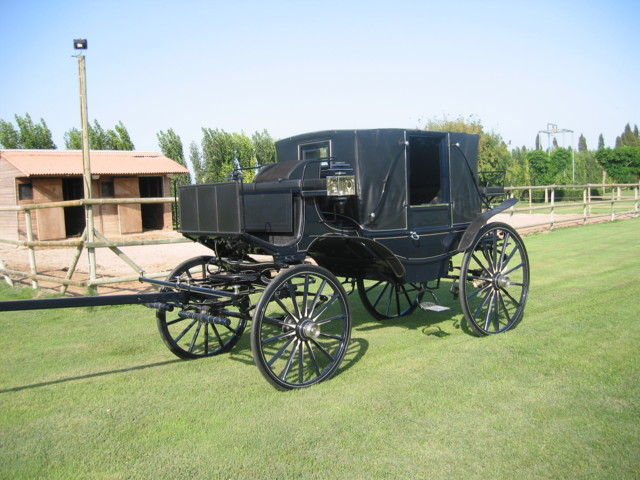 Landau - Carriage for two or four horses