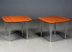 Haslev furniture manufacturer – Set consisting of 2 walnut wood side tables