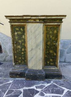 Lacquered cabinet with marble top - Tuscany, Italy, 17th century