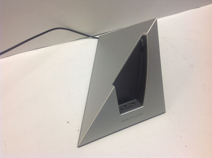 Bang and olufsen beocom 6000 mkii including tablecharger, beoline.