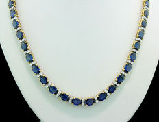 High carat luxury sapphire-brilliant necklace with 48.50 ct, 750 yellow gold/white gold. Unique item.