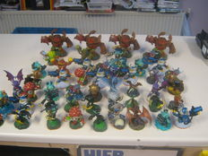 Lot of 50 original skylanders - compatible on: wii,ps3,360,ps4 and xbox one