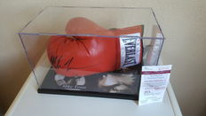 Mike Tyson Heavyweight Boxing World Champion, Everlast glove with original autograph in display case + COA JSA (James Spence)