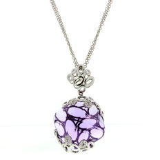 Alfieri & St. John – necklace and pendant in 18 kt white gold, set with amethysts and diamonds