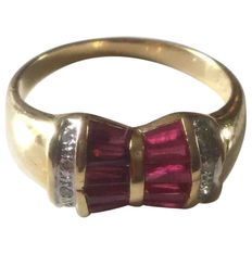 18 kt gold ring with ruby
