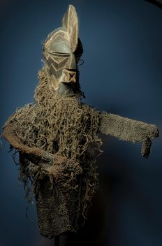 Large and ancient dance mask and costume - SONGYE KIFWEBE - Former Belgian Congo