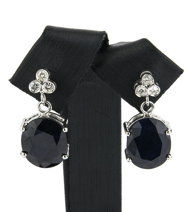 White gold earrings with two sapphires and six diamonds