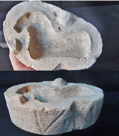 Roman limestone mold for a terracotta figurine of a horse - 192 x 127 x 54 mm