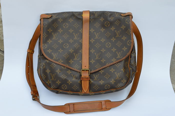 a24477179d3 Louis Vuitton Saumur 35 – Messenger   Shoulder Bag - Catawiki