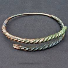 Early Medieval bronze Viking torque - neck ring - 200 mm/ ca 500 gr.
