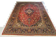 Beautiful and valuable Persian carpet, Kaschan, 308 x 211 cm. half of the 20th century