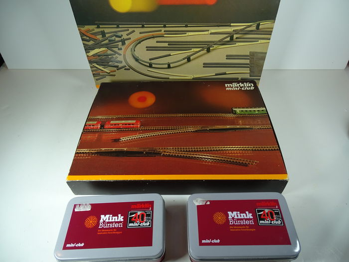 Märklin Z - 0232/8190/80023 - Track planning set, Rail set and two museum carriages from 2012