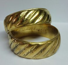 Pair of Berber bracelets – 18 kt gold-plated silver