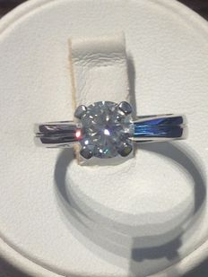 Solitaire ring in 18 kt white gold with 1.20 ct diamond