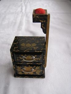 Doll's house sewing chest with pin cushion, Maki-e  - Japan - 1912-26 (Taisho period)