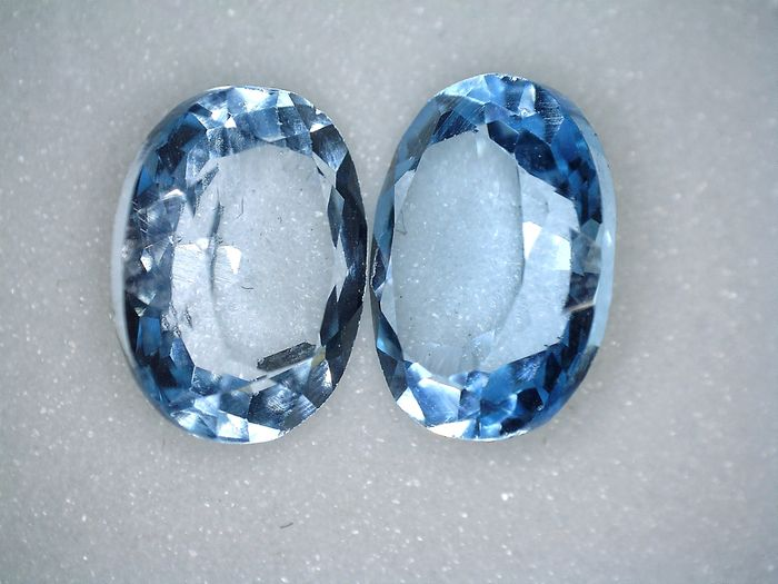 2 Topazes - 6.95 ct total