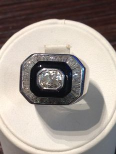 White gold ring with onyx and diamond – 0.9 ct + 1.5 ct