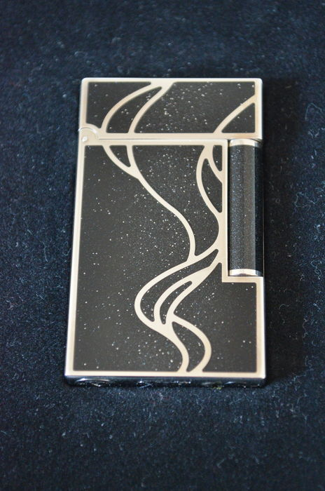S T  Dupont - Lighter Limited Edition 'Magic Wishes' with silver powder -  408/888 (Including box and papers), - Catawiki