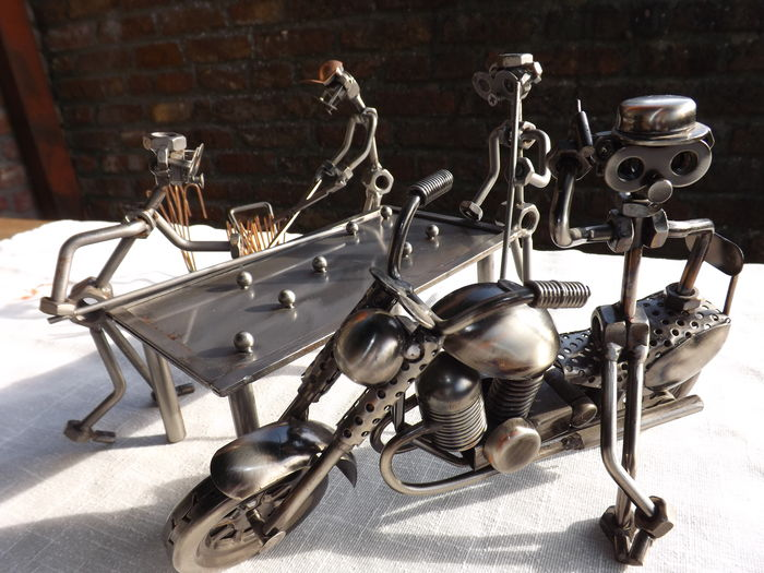 3 Characters Made In Pieces Of Hand Made Metal Craft Design Catawiki