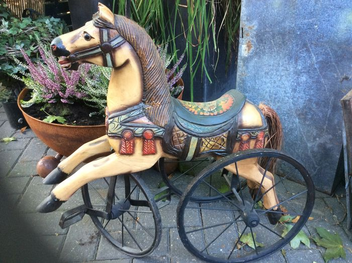 nice big decorative wooden horse tricycle catawiki. Black Bedroom Furniture Sets. Home Design Ideas