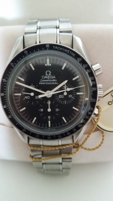 Omega Men's 3570.50.00 Speedmaster Professional Watch with Stainless Steel Bracelet  used like new