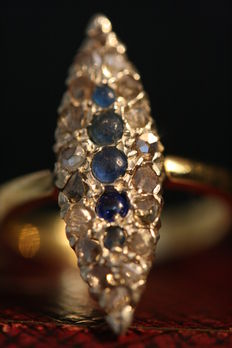 Gold 14 kt marquise ring with rose diamond and sapphire.