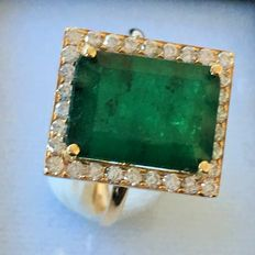 Natural Emerald Ring with Diamonds,