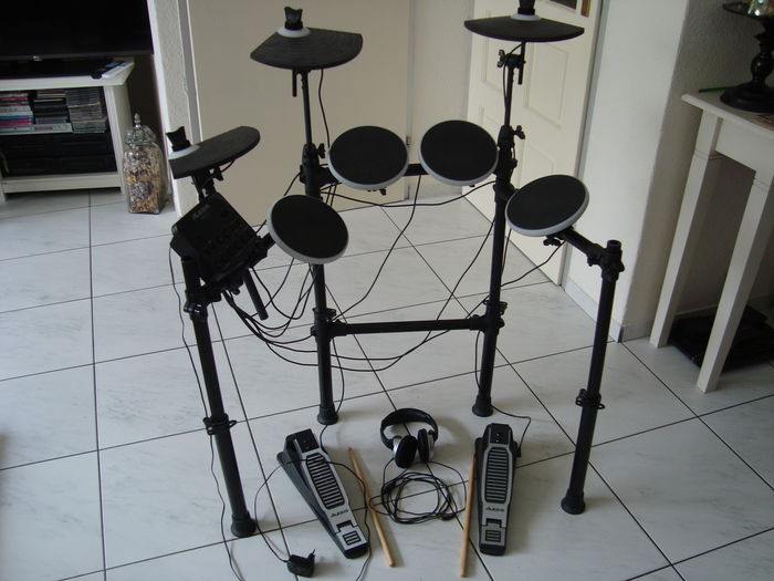 drums alesis dm lite digital adapter drumsticks headset catawiki. Black Bedroom Furniture Sets. Home Design Ideas