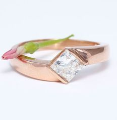 Rose Gold Men's 1.01 ct. Solitaire diamond ring in 14 kt stamped