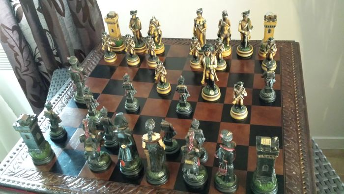 Chess Set Napoleon Historic Battles Waterloo, Nice Model In Carved Bone,  Made In Italy