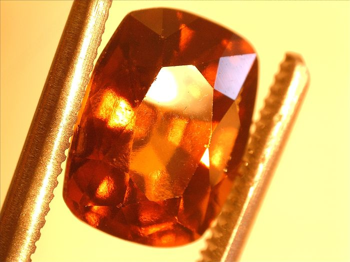 Garnet hessonite – 3.02 ct
