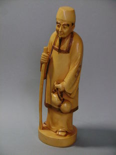 Ivory Okimono. The wiseman with the gourd - Japan - ca. 1900