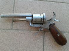 Old pinfire revolver in working order, 7 mm Lefaucheux