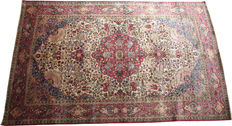 "Magnificent antique Persian silk Kashan rug Circa 1910 size 196 x 126cm (6'5""x4')"