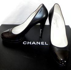 Chanel – court shoes