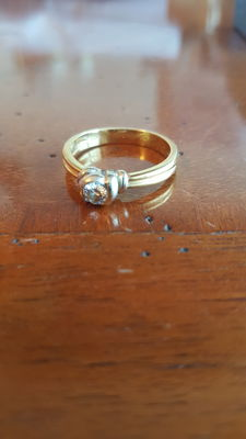 18 kt white/yellow gold ring with 0.27 solitaire diamond