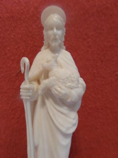 Ivory sculpture of Jesus with lamb - France - 2nd half of 19th century