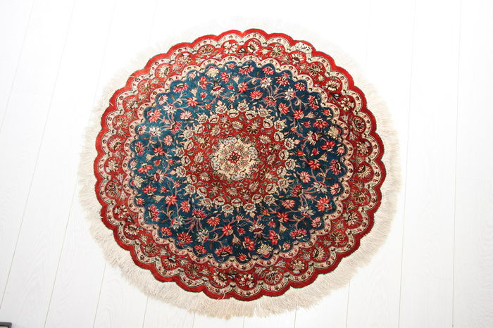 Extra fine signed handmade 100% silk Persian Qum rounded rug size 100cm diameter