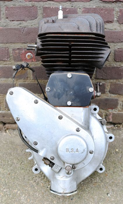 BSA M21 overhauled 600cc side valve engine block - BSA M21 gereviseerd 600cc zijklepper motor blok  - 1948 (1 items)